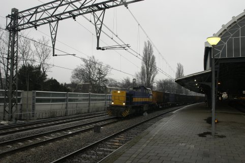 ACTS met lege containertrein richting Amsterdam Westhaven